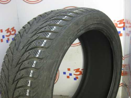 Шина 245/40/R18 YOKOHAMA Ice Guard IG-35 износ более 50%