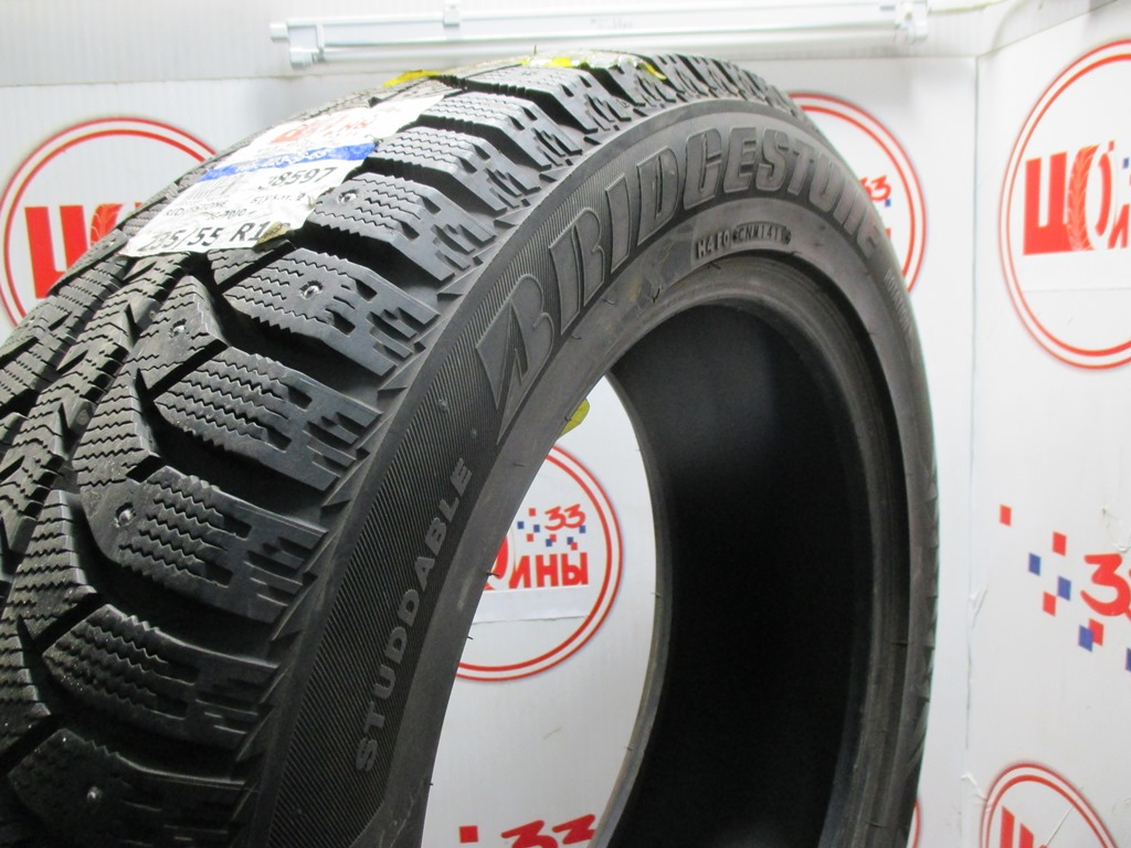Б/У 235/55 R19 Зима Шипы  BRIDGESTONE IC-7000 Кат. 2
