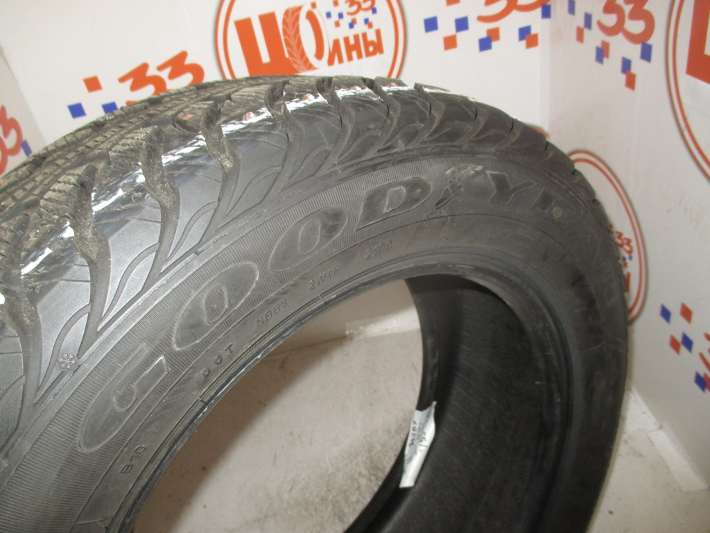 Б/У 215/55 R16 Зима Шипы  GOODYEAR Ultra Grip Extreme  Кат. 3