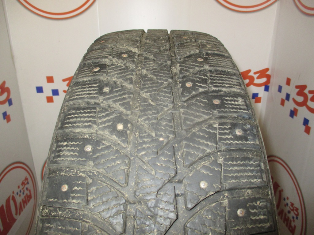 Б/У 215/70 R16 Зима Шипы  BRIDGESTONE IC-5000 Кат. 3