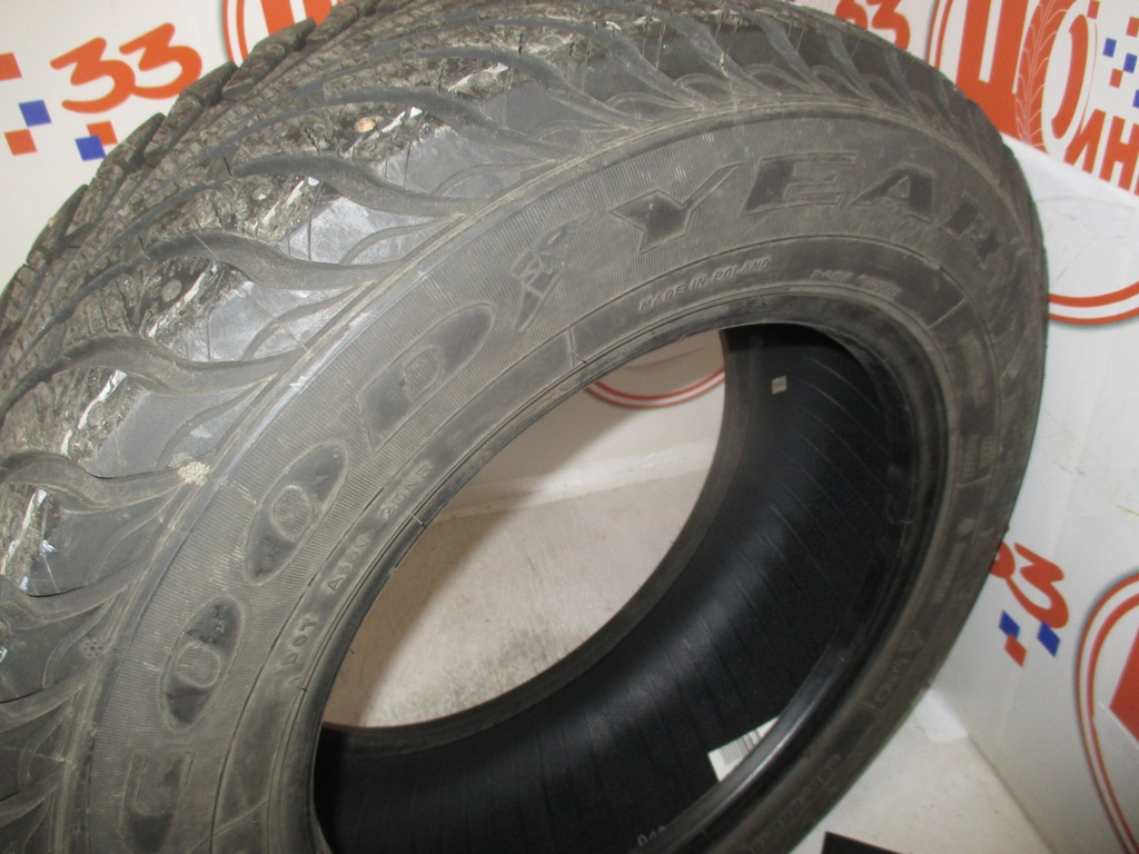 Б/У 205/65 R15 Зима Шипы  GOODYEAR Ultra Grip Extreme  Кат. 4