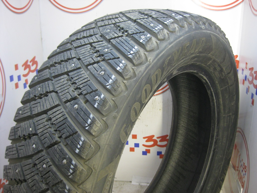 Б/У 235/60 R18 Зима Шипы  GOODYEAR Ultra Grip Ice Arctic Кат. 1
